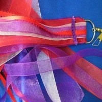 RIBBON STREAMER: ROYALTY
