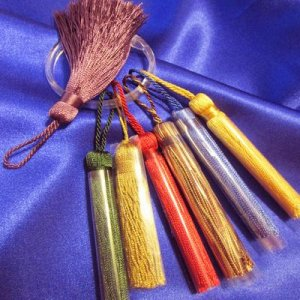 TASSEL: 4 inch, 6 color choices