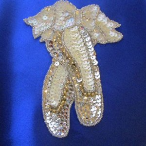 SEQUIN BEADED APPLIQUE: Ballet Slippers