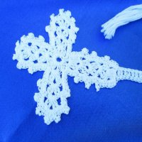 BOOKMARK: Crochet Cross, white